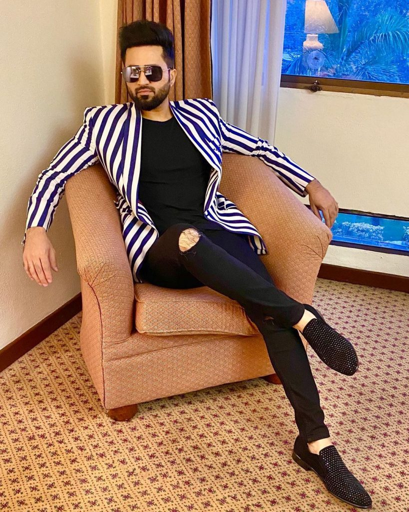 Is Falak Shabir All Set To Make His Acting Debut 8