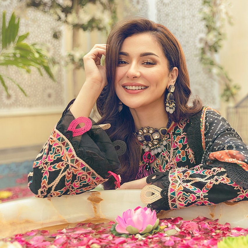 Hania Aamir Reportedly Engaged To Singer Shamoon Ismail