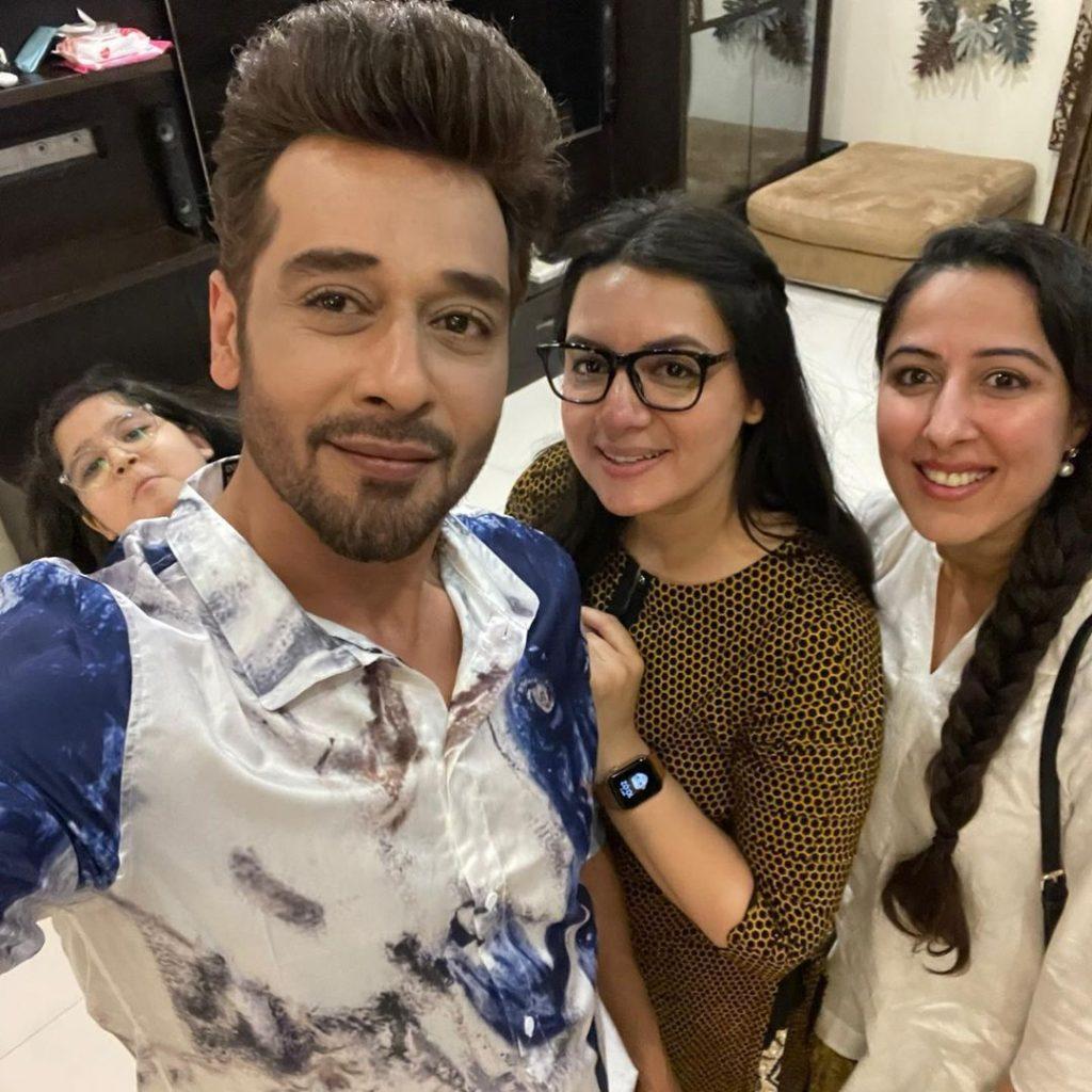 Sana Faysal Shares Adorable Snaps With Faysal Quraishi & Kids