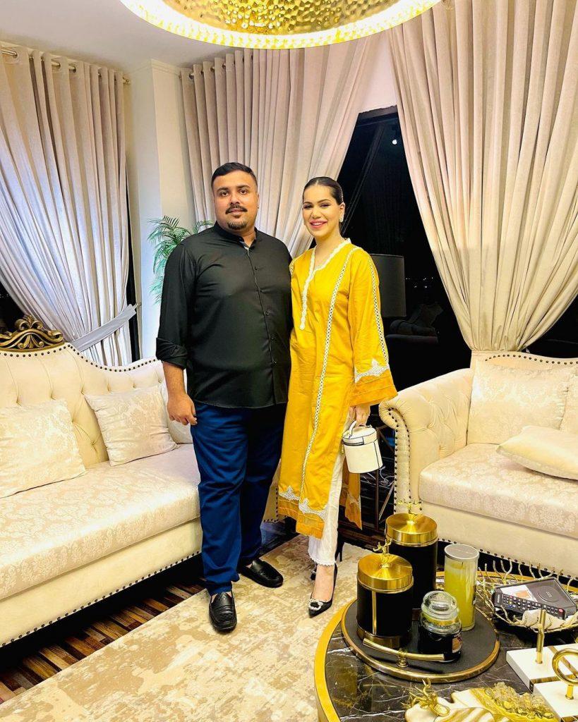 Ghana Ali Poses With Husband & Friends