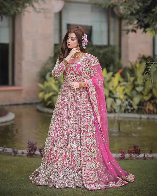 Alizeh Shah Looks Like A Fairytale Princess In Pink Bridal Ensemble
