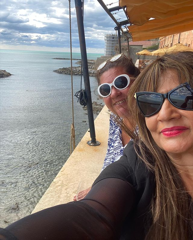 Frieha Altaf Vacationing With Friends In Italy