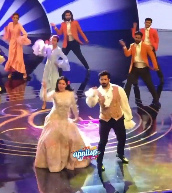 Mahira Khan And Shehryar Munawar's Stunning Dance Performance At LSA 2021